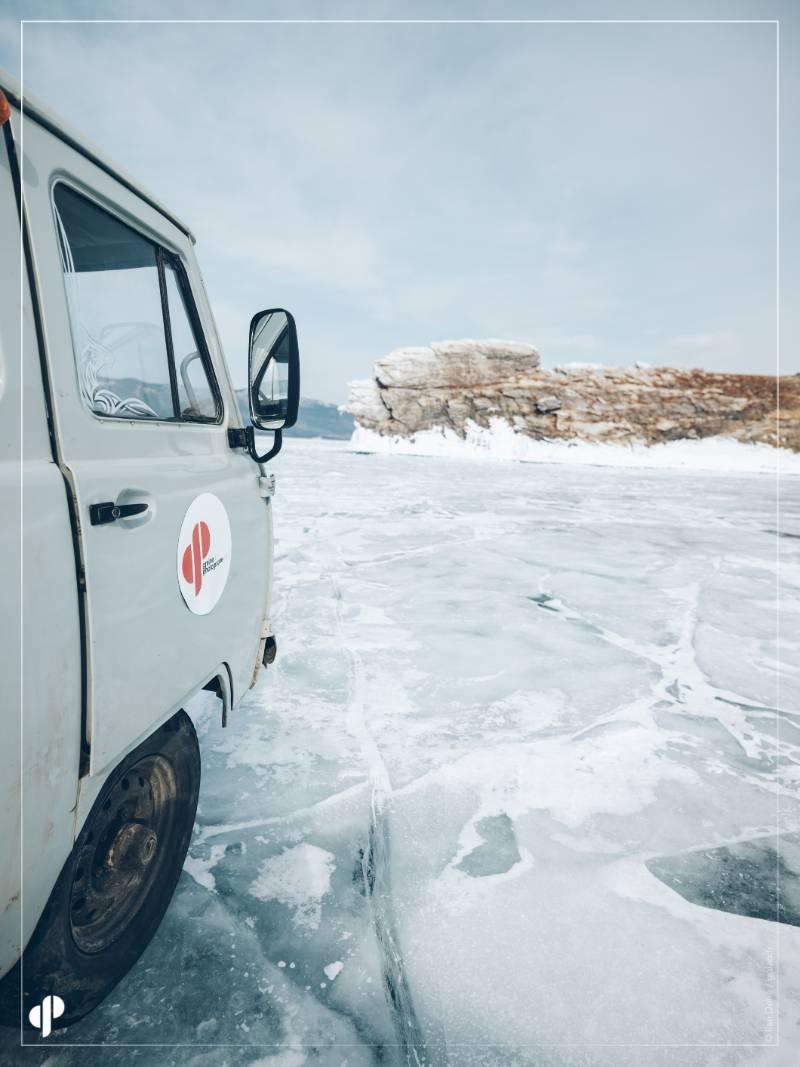 Départ en UAZ pour l'équipe Graine de Photographe ©️ Ilan Dehé