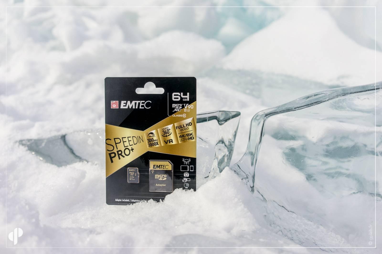 carte SD Emtec sur la glace du lac baikal