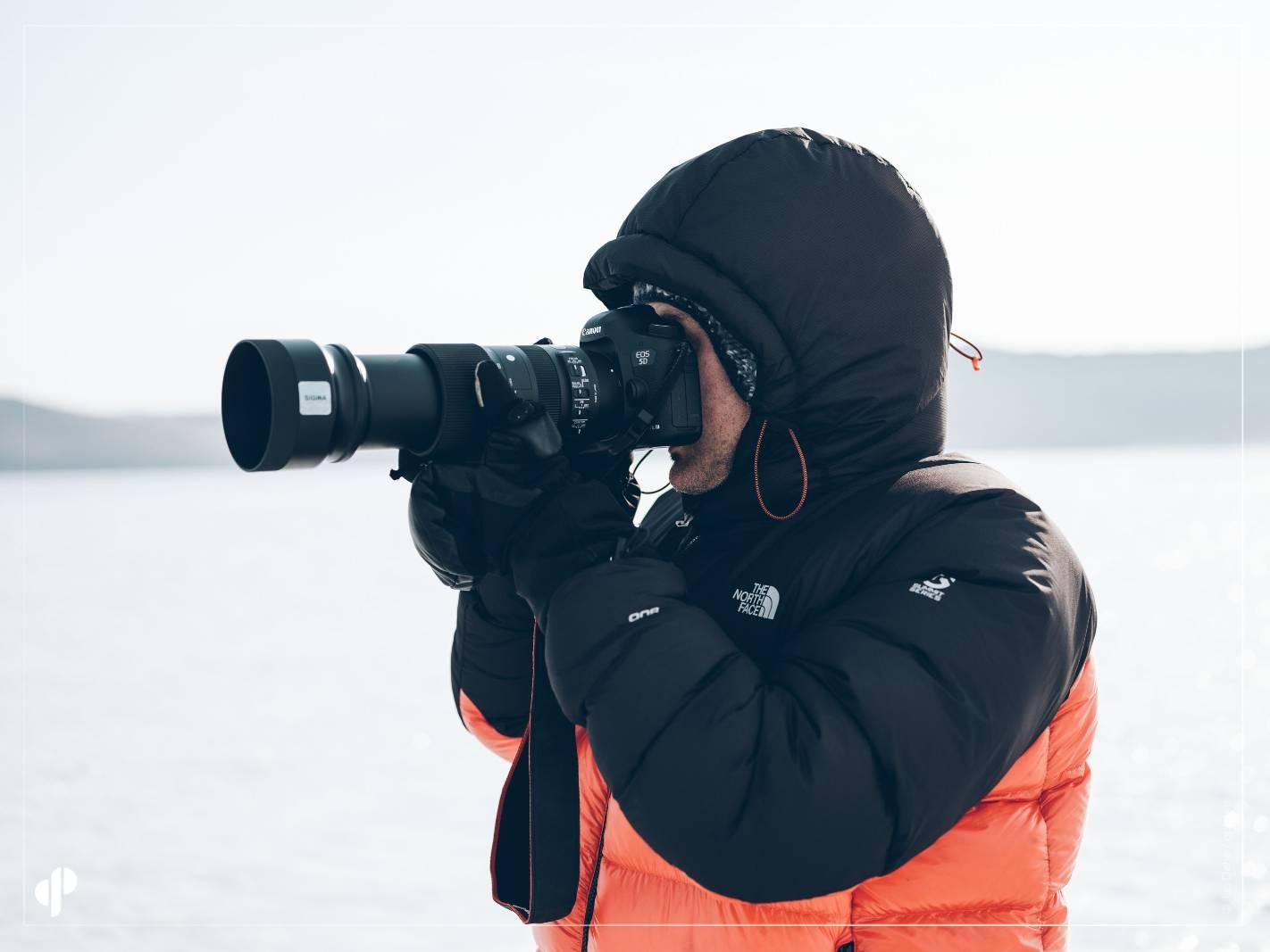 le photographe Marc Lavaud avec un objectif sigma sur canon